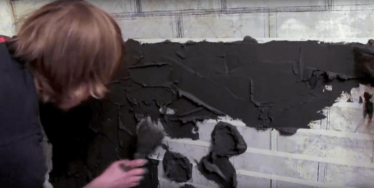 набрасывание смеси на стену