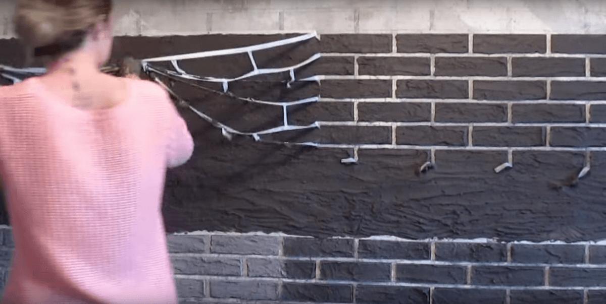 Как сделать штукатурку под кирпич