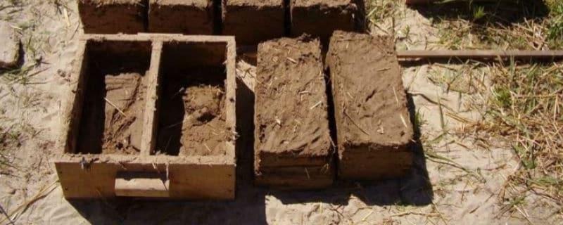 Сырцовый кирпич из глины