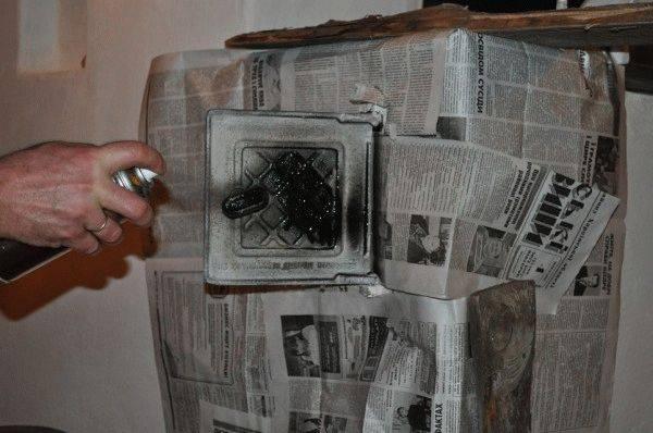 Чем покрасить железную печь в доме