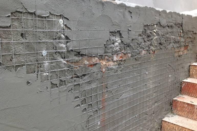 Чем заделать трещины в стене внутри дома