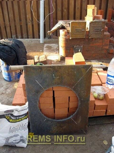 Печь и мангал в одном из кирпича