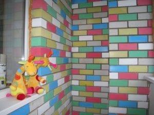 Чем покрасить кирпичную стену